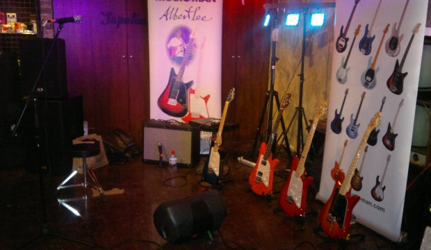 Albert Lee Show Off His Musicman Signiture Guitars.