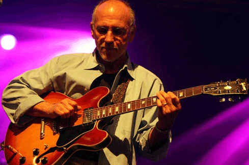 Jazz genius Larry Carlton