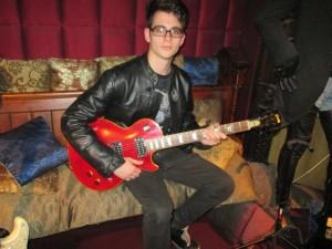 Norbert Margitai plays Slash's guitar