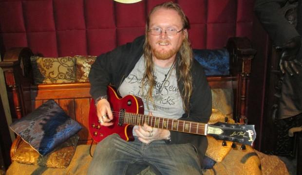 Watford guitar teacher plays Slashes guitar