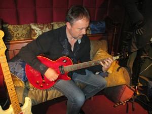 Guitar tutor Simon Devlin on Slash's actual guitar