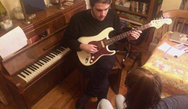 Teach the guitar